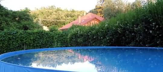 Kozárd - kerti medence